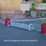 Portabici Ciclos, design di Alfredo Tasca e fioriera Aster, Metalco Design Department
