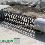 Portabiciclette Smeraldo di produzione Metalco, design by Alfredo Tasca.